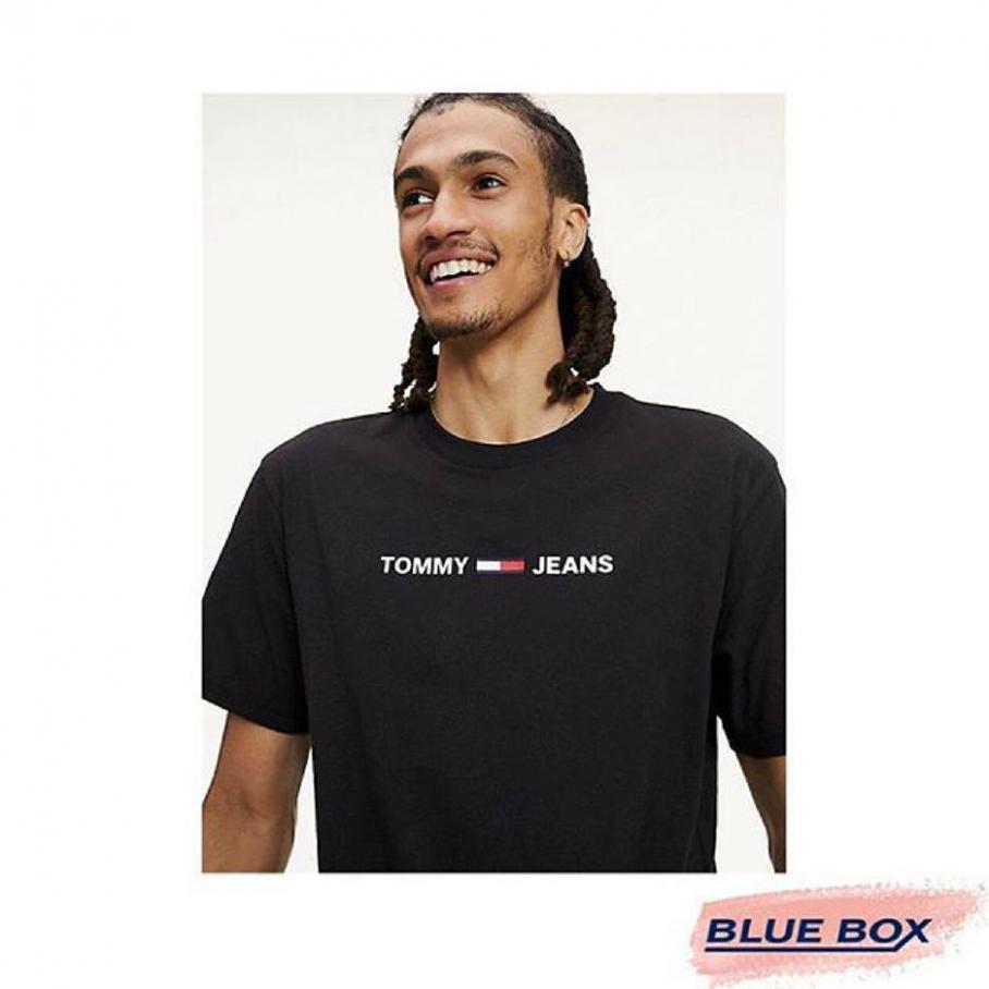Nouvelle Collection . Blue Box (2020-10-16-2020-10-16)